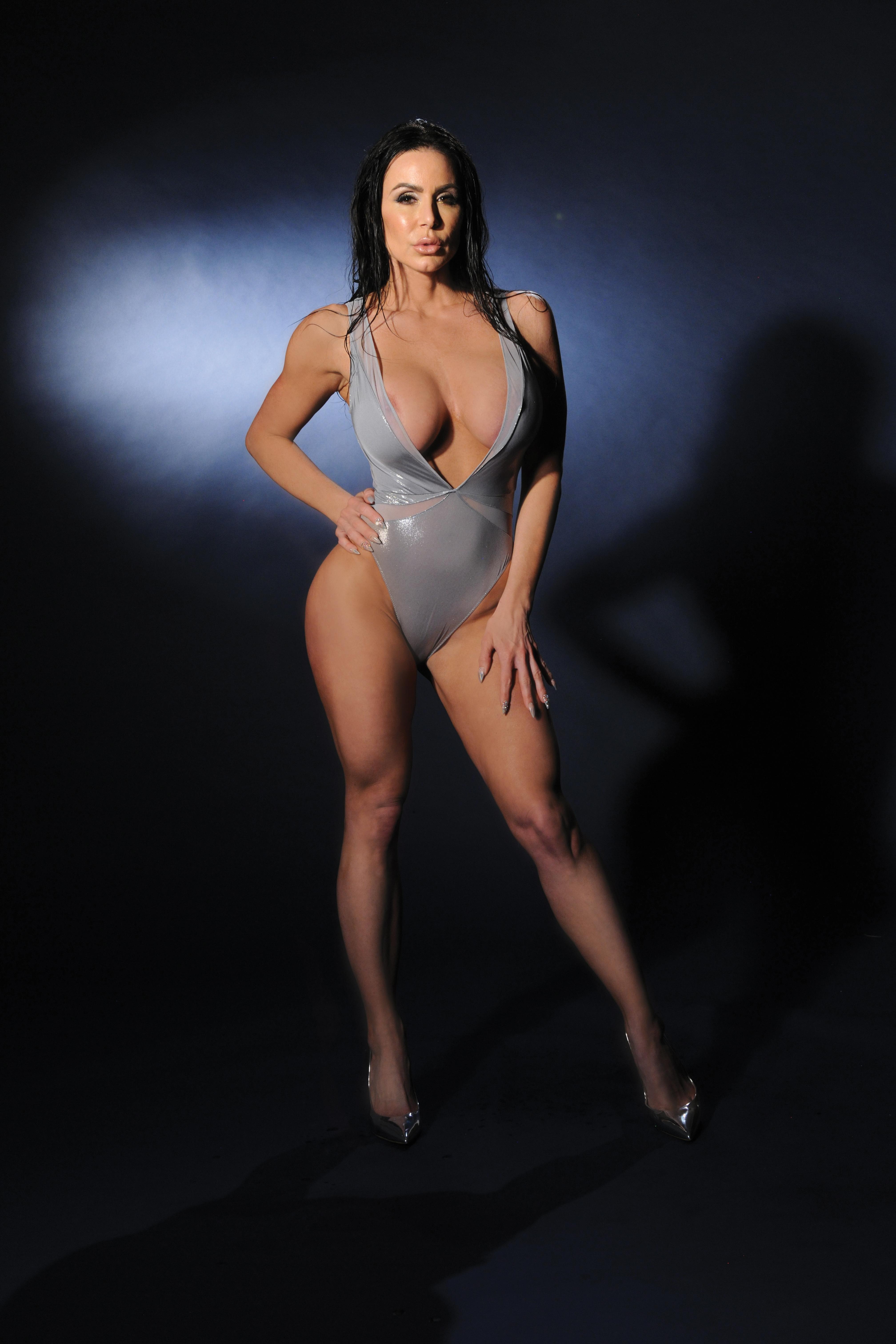 Kendra Naked
