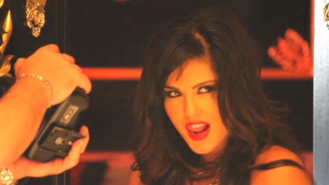 AVN Awards 2012 : Meet Sunny Leone