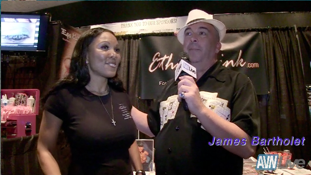 Talking with Goddess Sonya at Exxxotica Atlantic City 2013